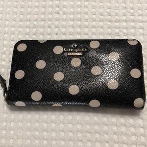 ♠️ kate spade ♠️ polka dot zipper closure wallet